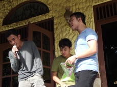 Trio Handsome karaoke